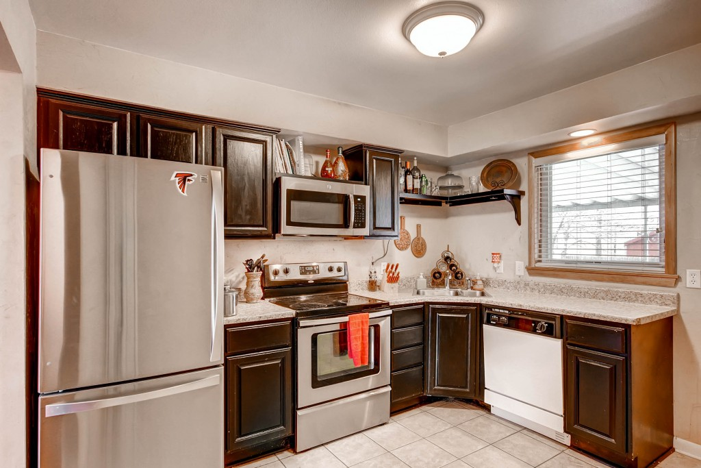 10790 Carrol Ln Northglenn CO-print-010-Kitchen-2700x1801-300dpi