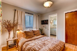 3338 W Saratoga Ave Englewood-large-015-20-Master Bedroom-1500x1000-72dpi