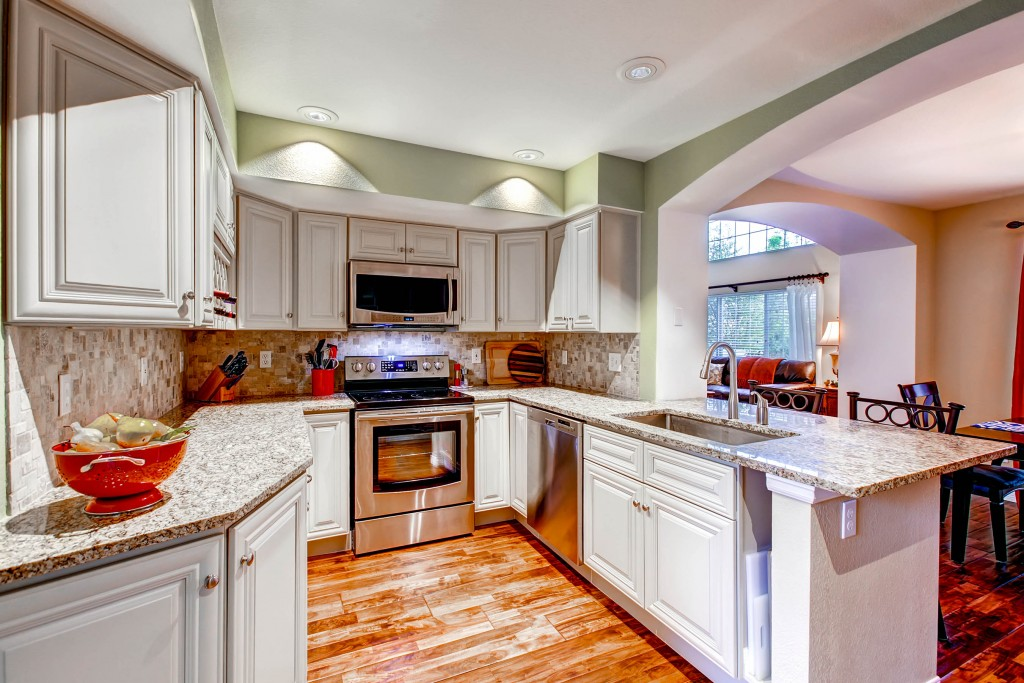 4008 E Geddes Circle-print-013-Kitchen-2700x1800-300dpi