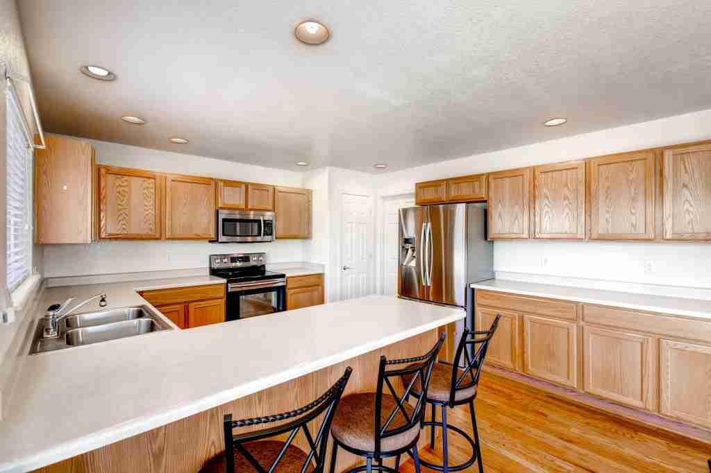 21801 E Nassau Place Aurora CO-print-011-Kitchen-2700x1799-300dpi
